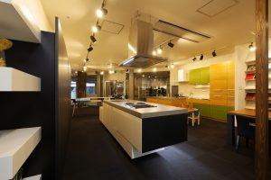 HI-MACS® Modern & Elegant Kitchen